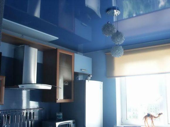 Отделочные материалы для потолка на кухне