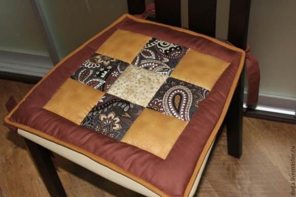 подушка для стула из лоскутов