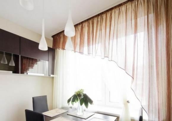 Асимметричные шторы для кухни